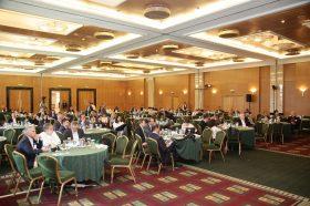 Άποψη της κεντρικής αίθουσας του συνεδρίου