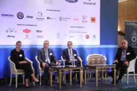 Panel I: «Κίνδυνοι από την κυκλοφορία απαρχαιωμένων οχημάτων στην χώρα μας. Αντικίνητρα για την χρήση τους» Ομιλητές στο Panel Ι ήταν ο κ. Γρηγόρης Παύλου, Οικονομολόγος, Ερευνητικός Συνεργάτης, ΙΟΒΕ, η κα. Ελεάννα Πετράκη, Περιβαλλοντολόγος, Ειδικός Συνεργάτης ΣΕΑΑ σε θέματα περιβάλλοντος, και ο κ. Κωνσταντίνος Καραθανάσης, Διευθυντής Marketing, FCA Greece. Συντονιστής της συζήτησης ήταν ο κ. Τάκης Πουρναράκης, Δημοσιογράφος